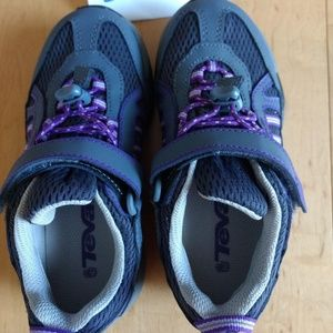 NWOT Teva Kids Active Sneakers